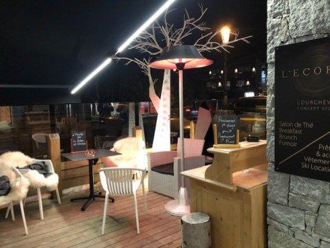 Mise en scène d'une terrasse pour un Lodge à Courchevel