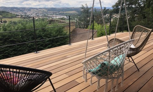 Terrasse bois exotique sur pilotis